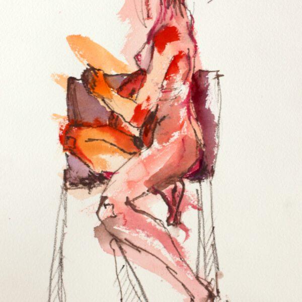 Roter Akt auf Stuhl sitzend